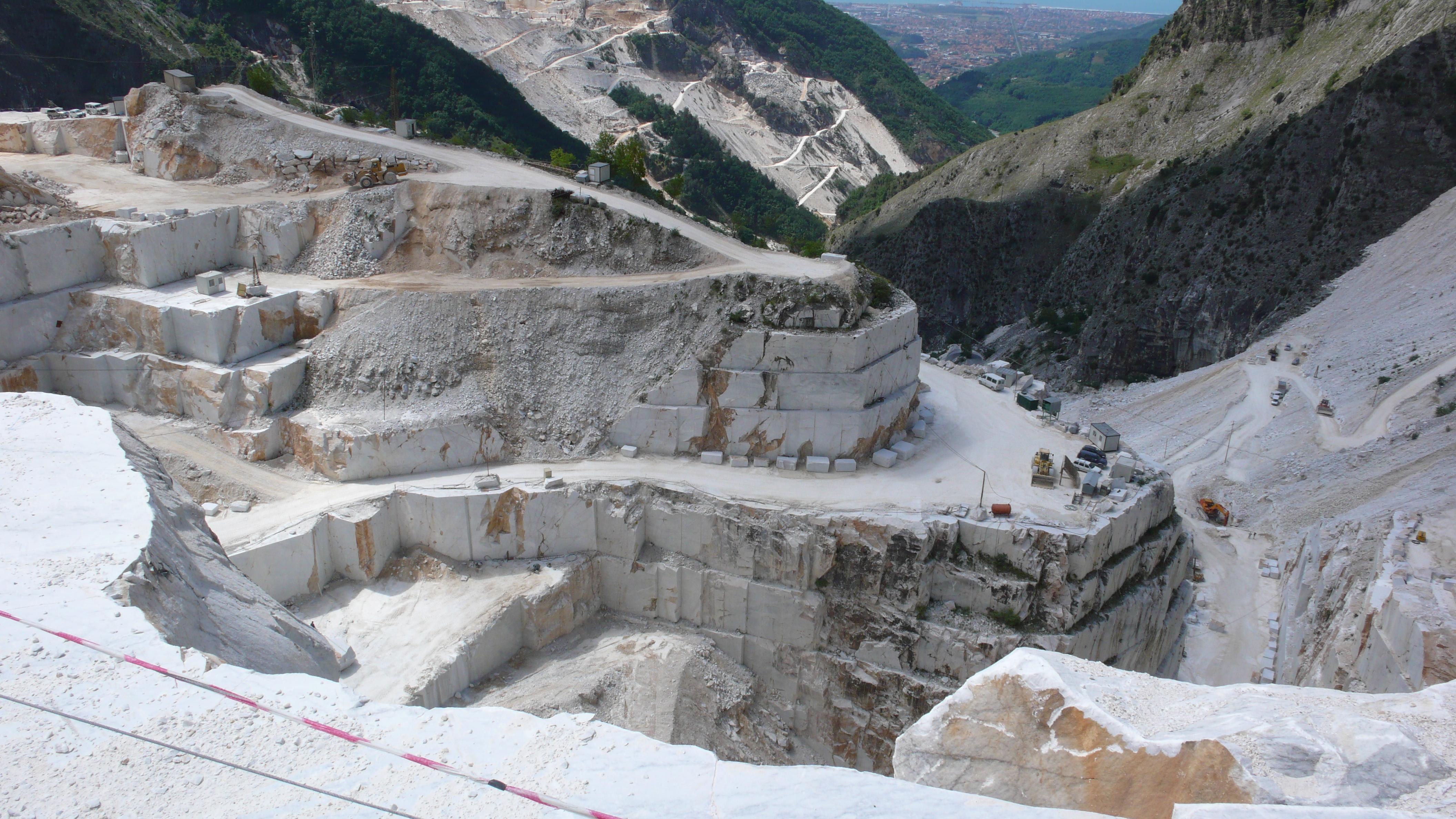 Veduta cave di Carrara